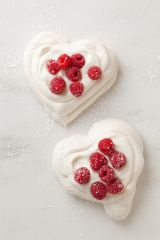 pavlova-hearts-with-chantilly-cream-recipe