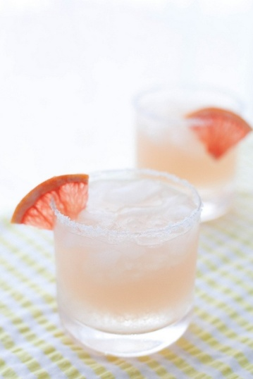 perfect-pair-a-paloma-cocktail-for-josie