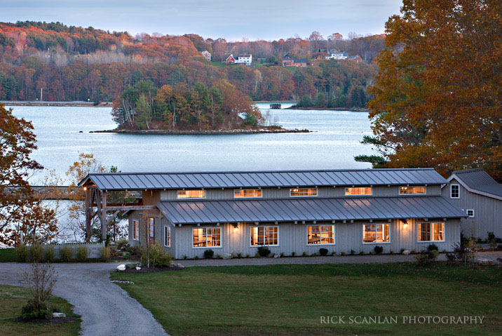 Mallet Barn Located On The Shores Of Casco Bay Is Ideal For Couples Who Want To Enjoy Maine Seaside And Still Have Their Wedding